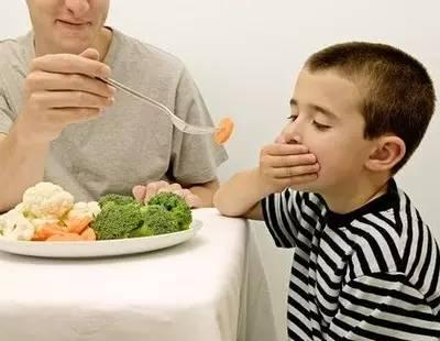 孩子不吃饭,让他饿几顿? 这个方法靠谱吗?
